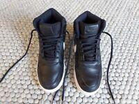 Nike Boots Size 6 5 Black