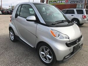 2013 Smart fortwo ONE OWNER - NO ACCIDENT - SAFETY & WARRANTY IN