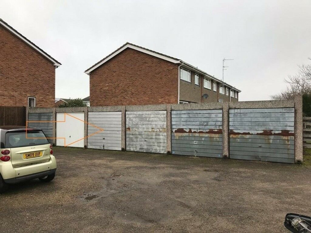 GARAGE available for storage | Molesley (KT8)
