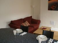 2X DOUBLE ROOMS TO LET IN CLEAN AND TIDY PROPERTY - INC C TAX WATER AND WIFI