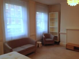 GOOD SIZE COSY STUDIO FLAT**SEPARATE KITCHEN**EXCELLENT LOCATION MARYLEBONE