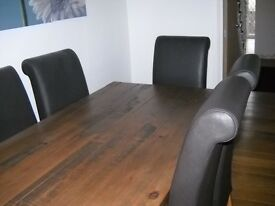 Next Hartford Dining Room Table with 4 Genuine Leather Next Chairs