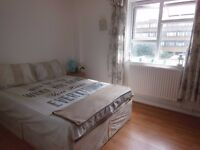 LARGE DOUBLE ROOM IN A GREAT LOCATION! *ALL BILLS INC + WIFI*