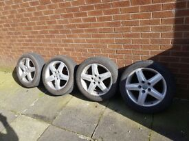 Audi a6 r17 alloy wheels very good tyres. Fitment 112*5*57.1