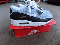 NEW in Box Nike Air Max 90 Trainers Size 8 UK