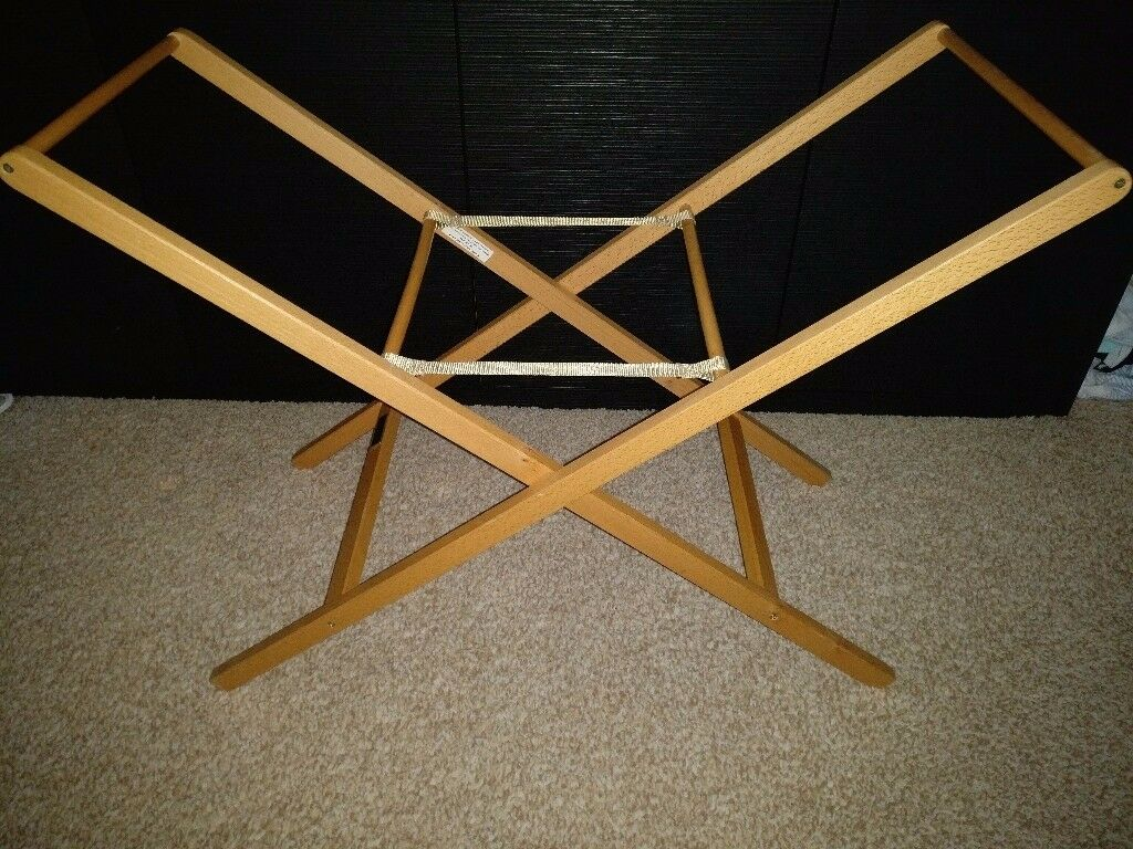 **MAMAS AND PAPAS MOSES BASKET FOLDING STAND***AS NEW - GRAB A BARGAIN***MUST SEE***RRP £34.99