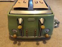 DeLonghi Vintage Icona Toaster Olive