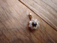 9ct Gold Sapphire Pendant-----hallmarked