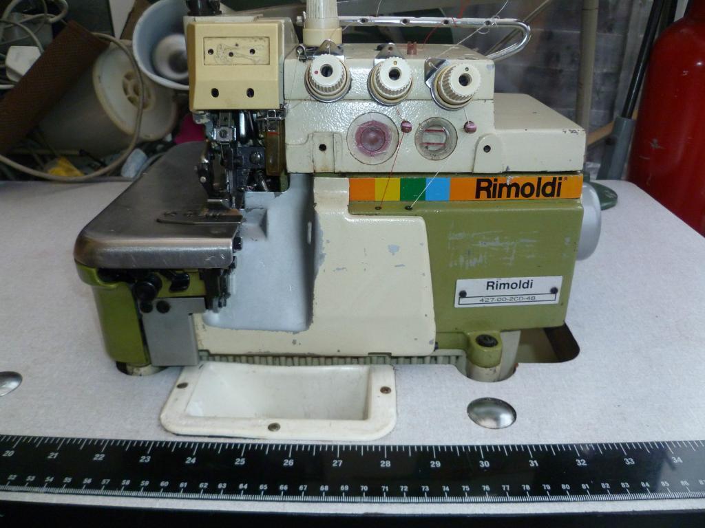 4 THREAD RIMOLDI INDUSTRIAL OVERLOCKING MACHINE
