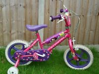 Princess bike with bell and detachable stabilisers