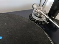 Stanton str8-150 pair technics 1210 alternative. Huge amount of tourqe excellent condition