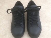 Bargain K Swiss real leather unisex trainers training shoes Black UK Size 7 worn once cost £55