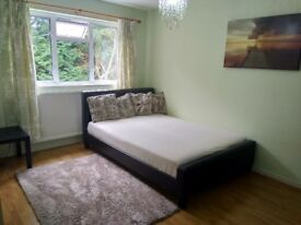 large room for one, clean and quiet house, all bills included