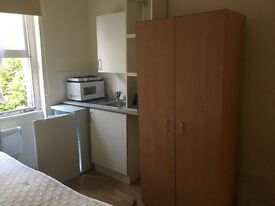 Double studio near West Kensington Fulham all bills included 750pm