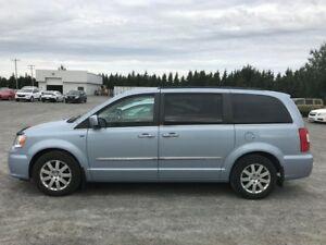 2013 Chrysler Town & Country Touring STOW&GO NAV