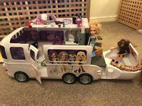 Bratz tour bus, dolls, furniture, accessories in vgc