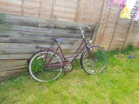@@ ladies town bike @@ FULLY SERVICED can deliver