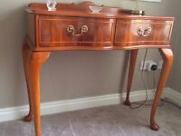 Console side table, coffee table, drum table, small table.