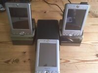 3 X Dell Axim X30 + 2 Docking Stations + 1 Case