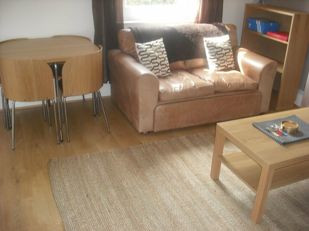 4 BED STUDENT FLAT TO LET 01.09.2017 MOVE IN !