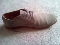 BRAND NEW MENS GREY SUEDE SHOES SIZE 10