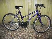 Raleigh ladies adult size cycle 15 speed gears gel saddle in very good condition can deliver