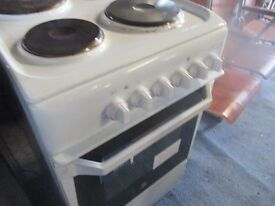 an electric cooker very good conditioon hot plate style an absolute bargain