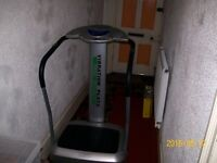 VIBRATION PLATE/MASSAGER 2000 IN GREAT CONDITION