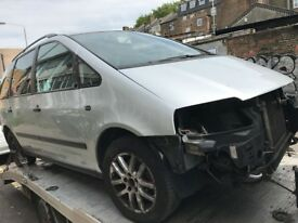 07 VW SHARAN BOTH SIDE DRIVE SIDE DOOR AVALIABLE EACH £25 ONLY SHELL