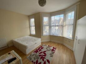 Large double room with ensuite in Thornton Heath. ALL BILLS INCLUDED except electricity.