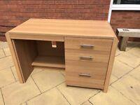 Veneer Oak Desk 116cm x 57cm x 75cm (wdh)