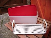tupperware red salad container