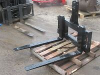 Pallet forks to suit tractor 3 point linkage