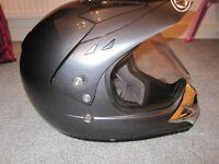 HJC full face peaked motorcycle helmet with intergral visor - Size Large