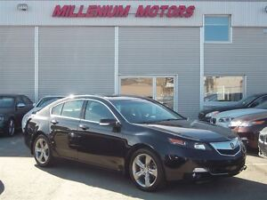 2012 Acura TL SH-AWD / LEATHER / SUNROOF / A MUST SEE!!