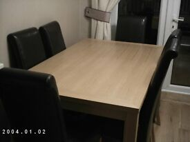Dining Table and 6 Chairs in Solid Wood