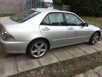 Lexus is 200 year 1999 automatic