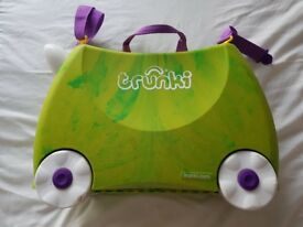 Trunki Trunkisaurus. Childs Green Dinosaur Cabin Luggage
