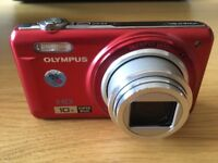 OLYMPUS VR - 310 RED digital camera with with carrying case. In perfect condition