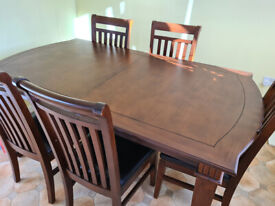 Dining table and 6 chairs - extendable for 8