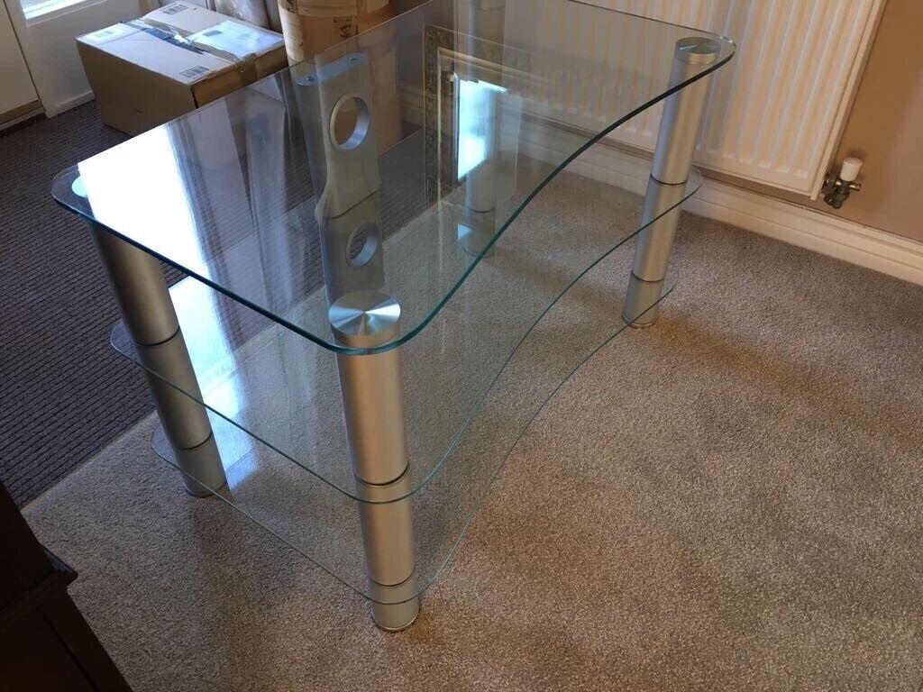 Glass tv/hifi stand