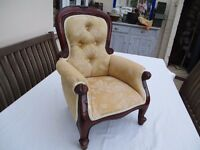 Tiny arm chair for a teddy, doll or child!!!