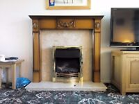 Electric fireplace with wood surround, marble foot and back, excellent condition