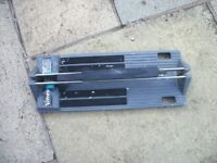 Manually operated tile cutter - up to 12mm. Easy to use and robust.