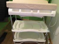 Baby changing/bath unit