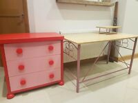 Girls desk and drawers