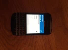 Sim Free Blackberry Q10 in excellent condition