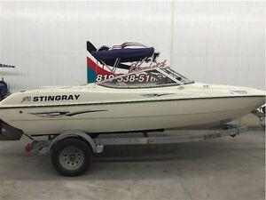 2004 Stingray Boat Co 180 RX
