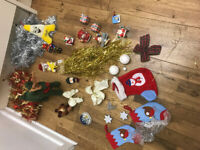 Collection of26 items of Christmas and tree decorations