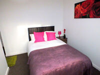 Double Rooms, High End Professional House share, 5 minutes walk from Stockport Train Station